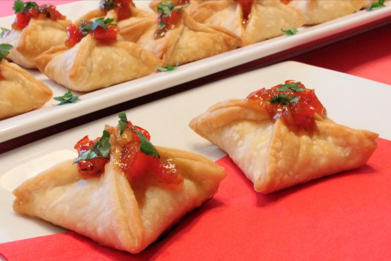 Red Pepper Peach Mango Salsa Bites